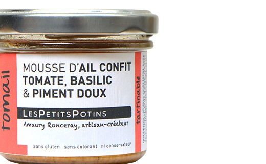 Garlic confit with tomato and basil spread - Les Petits Potins