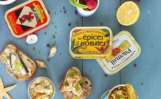 Crumbled sardines with lemon, olives and almonds - La Belle-Iloise